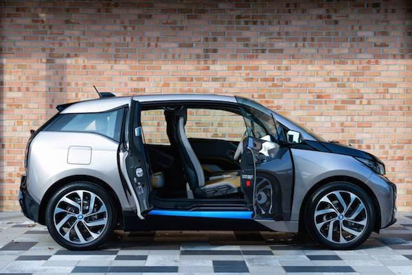 Η Apple σε διαπραγματεύσεις για να χρησιμοποιήσει το BMW i3 ως βάση για το Apple Car;