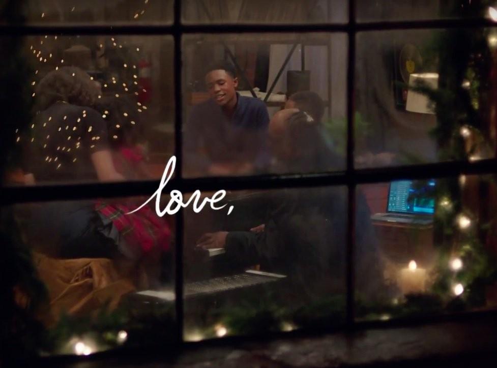 Apple Xmas ad: Someday At Christmas