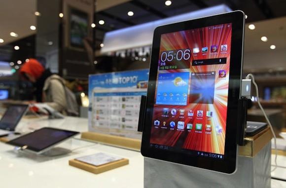 """Απόφαση δικαστηρίου: το Galaxy Tab δεν είναι το ίδιο """"cool"""" με το iPad"""
