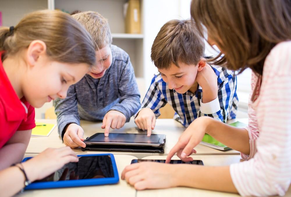 H iSquare ανακοινώνει τα εξαιρετικά αποτελέσματα της έρευνας του Παν. Πειραιά για τη χρήση του iPad 1:1 στα σχολεία