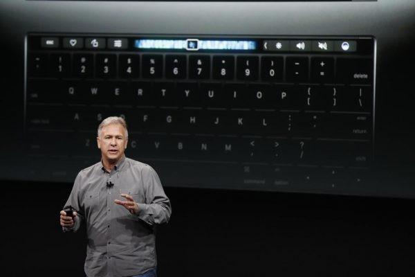 O Phil Schiller απαντάει στις αρνητικές κριτικές για το νέο MacBook Pro (2016)