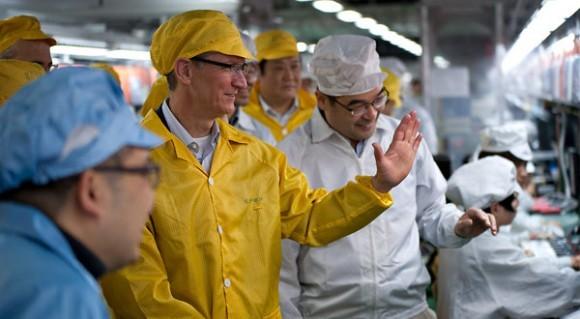 H Foxconn δεσμεύεται για αλλαγές στις ώρες εργασίας και τους μισθούς