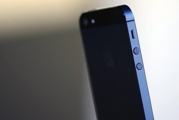 Η Apple προσελκύει τρεις φορές περισσότερους αγοραστές από την Samsung από ότι η Samsung από την Apple