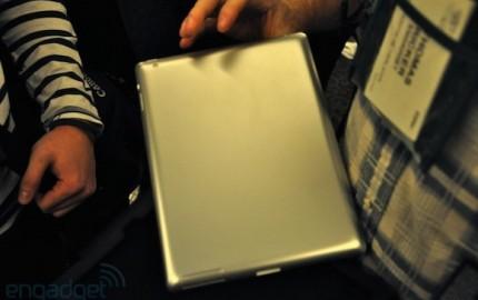 Mockup του iPad 2 εμφανίζεται στην CES 2011